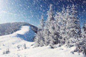 795335-neige-tres-fine-tombe-parfois